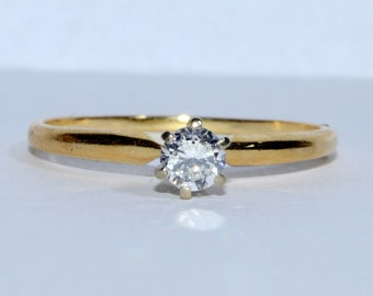 Vintage Round Brilliant Cut Diamond Solitare 0.33Ct in 14K Yellow Gold Engagement Ring Size 8.75