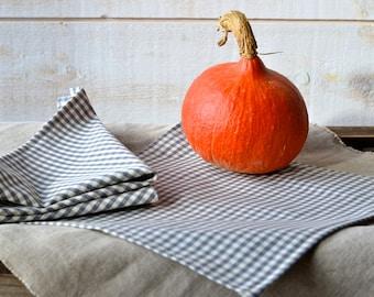 GRAY Gingham Table Napkins set of 2 or 4 / Rustic picnic napkins / eco friendly food napkins / retro napkins / Christmas decor