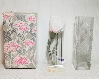 vintage NIB AVON Fostoria Crystal Bud Vase and Scented Carnation 1980. New In Box. Clear Glass Vase, Carnation Scented Tablet in Floral Box