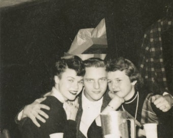 vintage photo 1950s Young Pretty Women Hugged by HAndsome Young Man