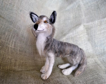 Needle Felted Wolf, Felted Wildlife, Gray Wolf, Felted Wolf, Wolf Collectible