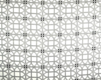 Lamerie Lattice Black Orchid Waverly Linen Fabric