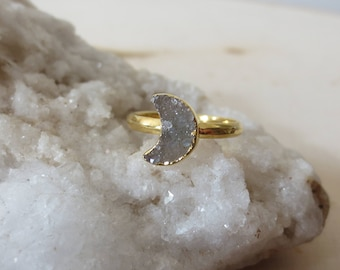Druzy moon ring,moon gold band ring, moon ring