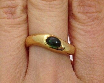 Polished Green Oval Tourmaline Ring - 18K Yellow Gold Ring - Size 6.25
