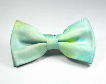 Spring meadow bow tie (pre-tied)