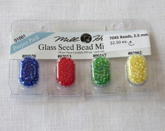 7045C Glass seed beads project pack 01001  by Mill Hill