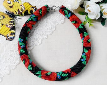 Summer party Red flower necklace for woman Crochet beaded necklace Poppy flower necklace Women gift Rustic jewelry