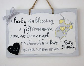Baby Countdown Plaque. Gift for Parents-to-be. Baby Shower Gift. Babygrow plaque with chalkboard heart. Expectant parents.