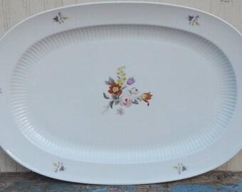 Beautiful Kaiser W German Oval Platter!