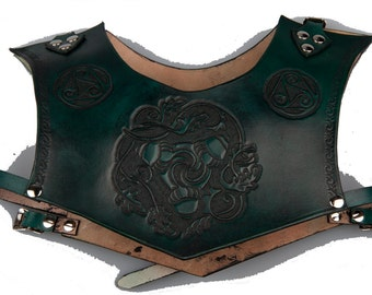 Green leather gorget armor size small medium with carved acorns triskelions and celtic knotwork larp fantasy armour male female elven armor