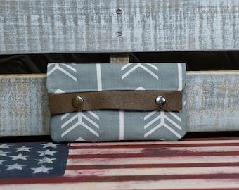 Gray Arrow Minimalist Wallet