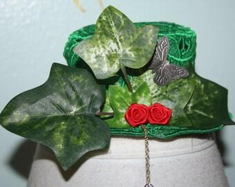 Poison Ivy Lace Womens Mini Top Hat