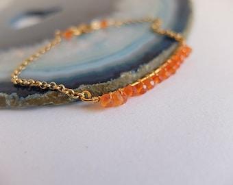 Bracciale minimalista  con rondelle di corniola pietre naturali,in argento placcato oro,catenella,bracciale minimalista pietre arancioni