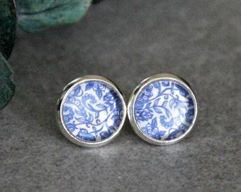 Blue Floral Earrings, Light Blue Stud Earrings, Blue Flower Earrings, Blue Leaf Earring, Blue Leaves Earring, Light Blue Earring, Blue Studs