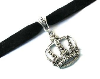 Crown choker, black choker, black velvet choker, antiqued silver crown charm jewelry, velvet ribbon choker, crown necklace