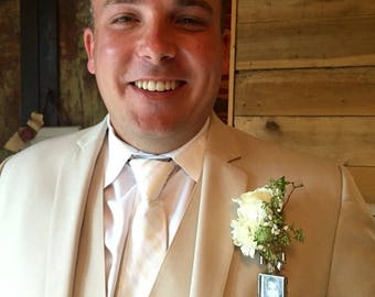 Father, Best-man,Groom, Boutonniere Locket Custom Wedding Keepsake, Over 70 Satisfied  Brides,5 Star Reviews,  FREE CUSTOM WORK & Free Gift