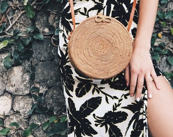 Rattan Bag Round Bag Straw Bag with Woven Bow/Clip Closure Natural Handwoven Bali Half Motif Ata Grass Shoulder Bag With Plane Pattern