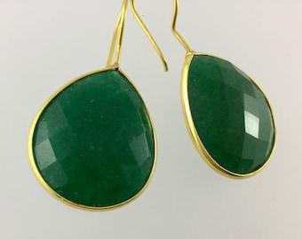 Emerald drop earrings/ Emerald earrings/green earrings/green drop earrings/Emeralds/drop/dangle/emerald dangle earrings/gold