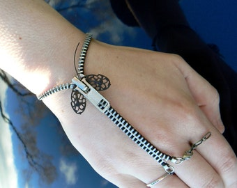 Silver Steampunk Moth Zip-On Handflower Bracelet
