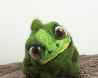 Chameleon, Needle Felted Soft Sculpture