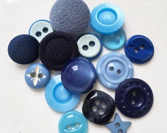 moody blues vintage and modern design eco friendly and nos buttons//fabric covered and plastic--mixed lot of 16