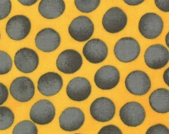 """Moda - A Stitch in Color by Malka Dubrawsky Metro Dot Veggie 23208-11 in Yellow 25"""" Remnant"""