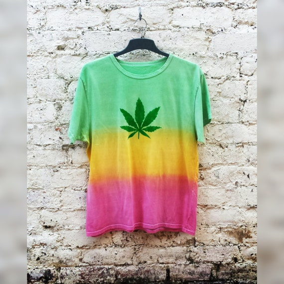 Pot Leaf Shirt Tie Dye Marijuana Leaf Shirt Rainbow Tshirt Unisex ALL SIZES Hemp Leaf Stoner Gift Hippie Pot Head Gifts 420 Weed Clothing RVYDd880D