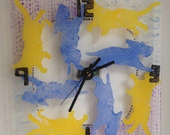 Wall Clock cats and dogs