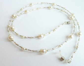 Pearl Eyeglass Chain, Reading Glasses,  Eye Glass Chain, Beaded Eyeglass Chain - Glasses Holder