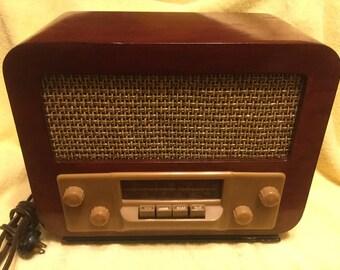 Vintage Silvertone Tube Radio 1947 Sears