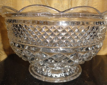 Vintage Mid Century Anchor Hocking Wexford Pattern Diamond Cut Glass Pedestal Serving Bowl