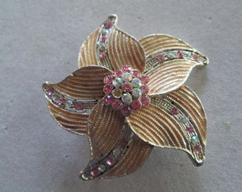 Gold and sage green flower brooch pin with filigree metal