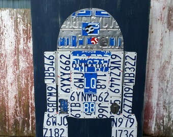 Original r2-d2 Star Wars License Plate R2D2 Droid - Salvaged Wood - Upcycled Artwork