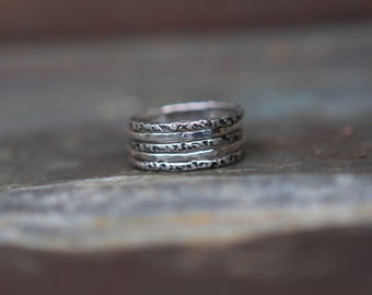 Alternating Textured Rings - Oxidized Silver Stacking Rings - Ombre Ring Set - Sterling Hammered Rings - Set Stackable Rings - Modern Rings