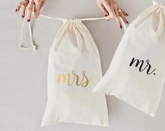 MR MRS travel bag, wedding destination, laundry bag, couple laundry, laundry, travel bag, honeymoon gift, travel laundry bag, couple gift