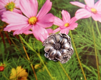 Cosmos Flower Sterling Spoon Ring Nature Inspired Art Nouveau Circa 1900 Symbolic of Beauty Spring Flower Jewelry