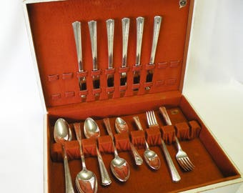 Vintage Silverplate Flatware - 1939 Gracious by Rogers IS - 6 Place Settings, 30 Piece Set, Wedding, Tea Party, Holidays, Cottage Chic