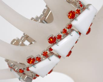 "Vintage 7 1/2"" Bracelet, early molded plastic set in rhodium. circa 1950's, faceted rhinestones on each side."