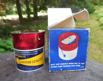 Vintage 1970s to 1980s Republic Service Light Compact 12 Volt Auto Light Tool & Manufacturing Corp. Plastic Red/White/Yellow/Blue