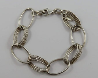"Ladies  7"" Sterling Silver Italian Oval Linked Bracelet"