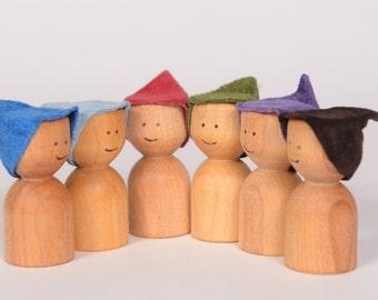 Little wooden men, peg doll by Atelier Cheval de bois