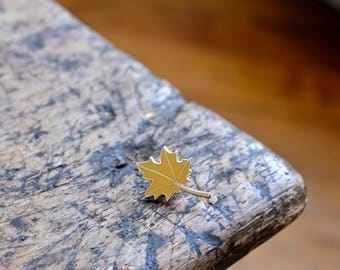 "Badges ""Autumn leaf - yellow"""