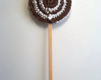 White and brown crochet lollypop