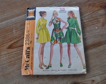 Vintage Dress Pattern. 1970s Aline Dress with Elasticized waist. Uncut Original. Suitable for Beginner. McCalls 2386. Size Misses 12