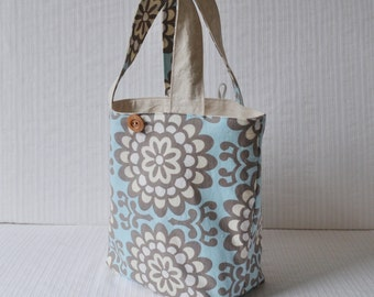 Lunch Bag - Blue Floral Fabric Bag - Gift Bag - Bridesmaid Gift - Bridal Party Gift - Mother's Day Gift - Teacher Gift - Washable Lunch Bag
