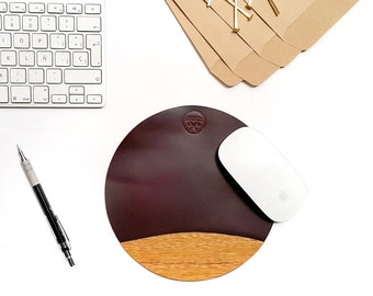 mouse pad, leather and  cedar wood,  mousepad brown waxed leather, gift for him, mens gift, leather mouse mat, mouse pad unique