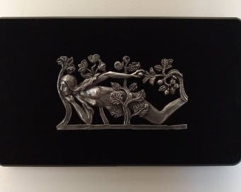 The temptation of Eve - Bas-relief pewter