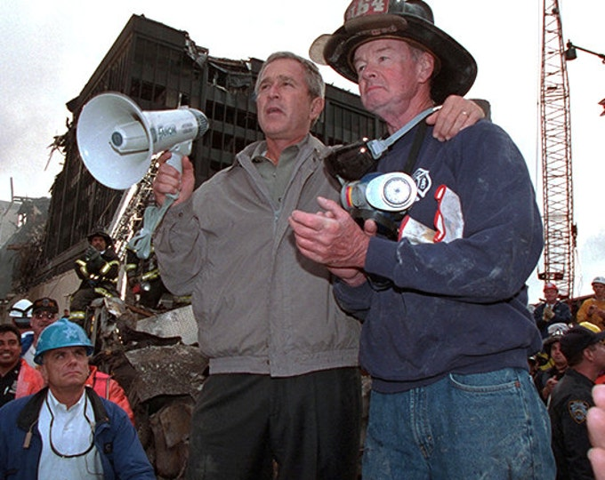 President George W. Bush & Fireman Bob Beckwith Standing on Ashes of the World Trade Center September 14, 2001 - 5X7 or 8X10 Photo (BB-782)