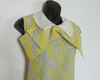 Vintage 1960s Yellow Daisy Dress