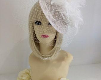 TILTED Hut weiß benutzerdefinierte asymetrische große Fascinator Kopf Stück Hochzeit Rennen High-Fashion Designer fascinator